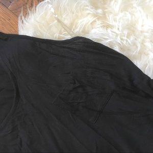 zenaya Tops - Slouchy black pocket tank.